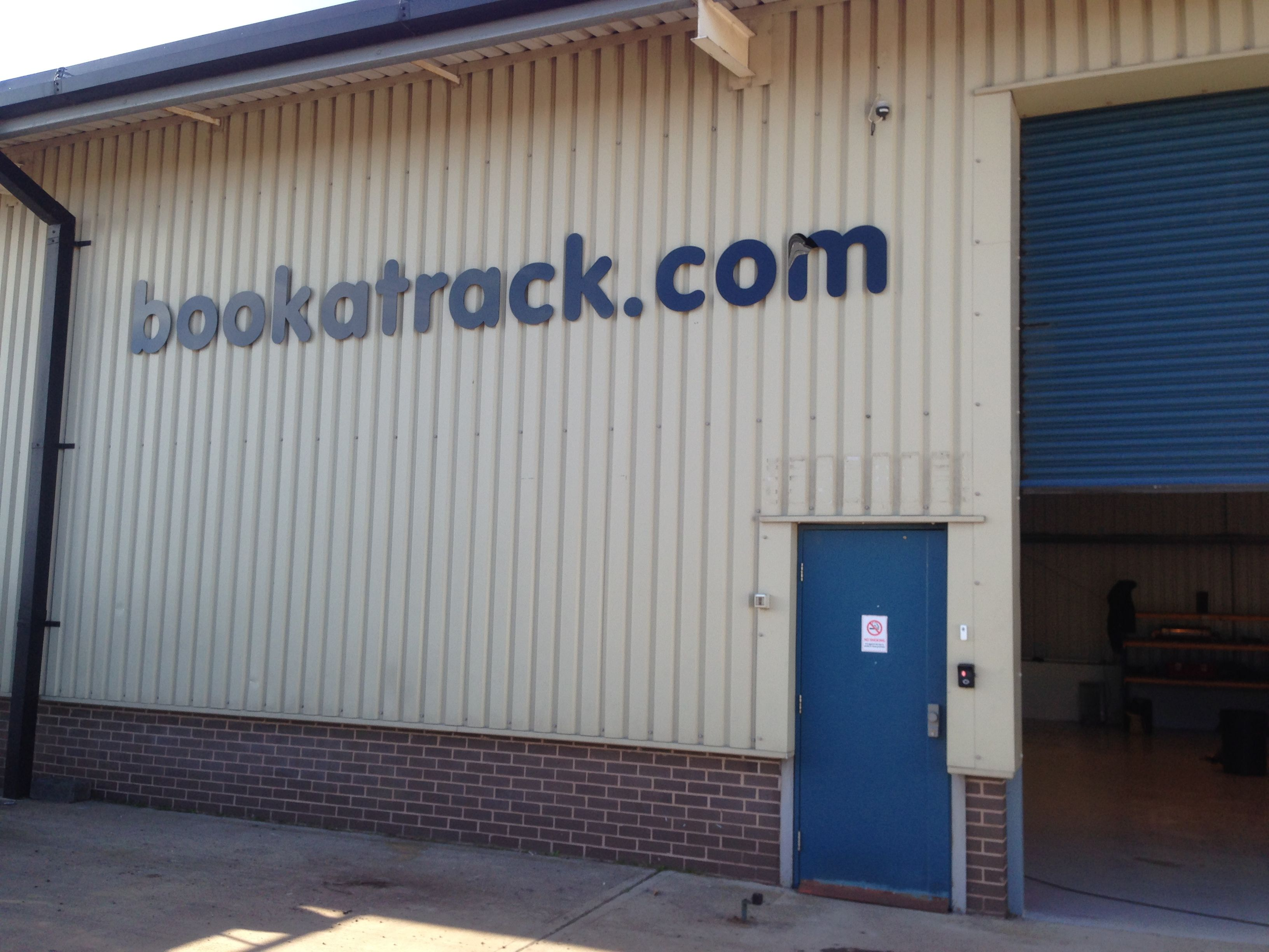 Bookatrack.com